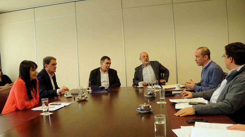 Diputados de la Comisión de Hidrocarburos y Energía de la Legislatura.