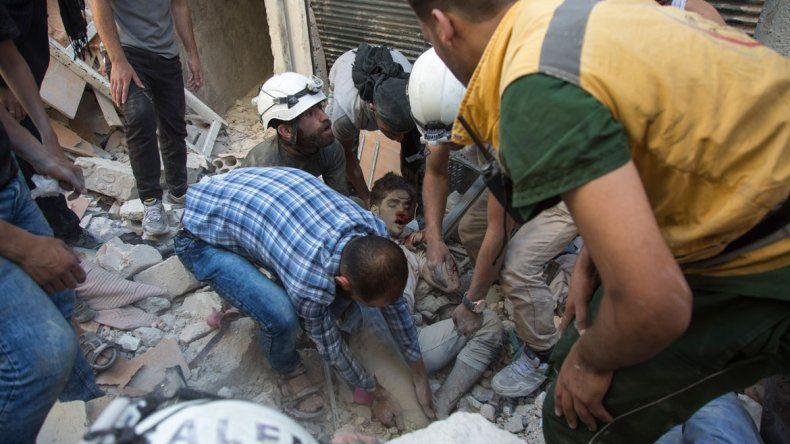 Diez civiles perdieron la vida en Alepo por el efecto de las bombas.