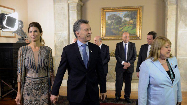 El presidente Macri viajó a Brasil junto a su esposa