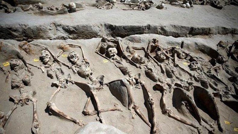Son 80 esqueletos. Los habrían ejecutado en masa en el siglo VII a.C.