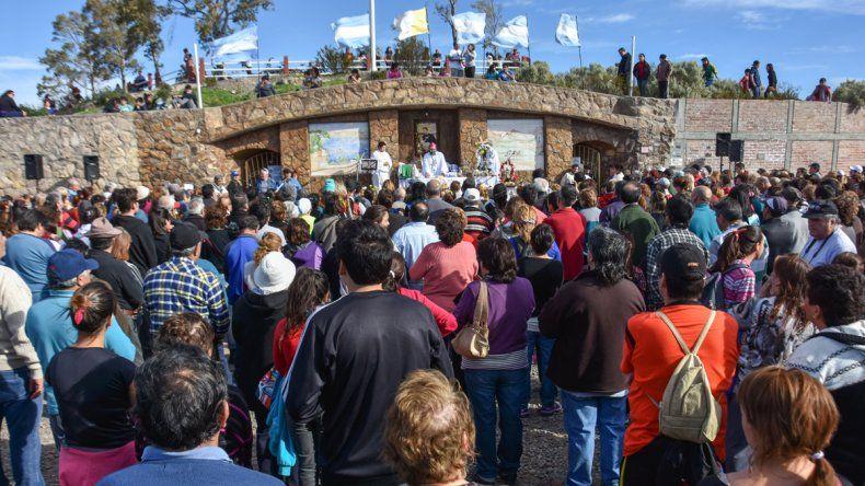 Una multitud se acercó al santuario de San Cayetano para agradecer y pedir por trabajo