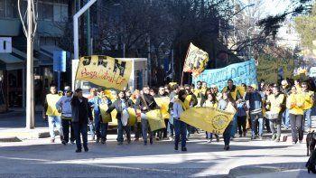 enfermeros marchan por una recomposicion salarial