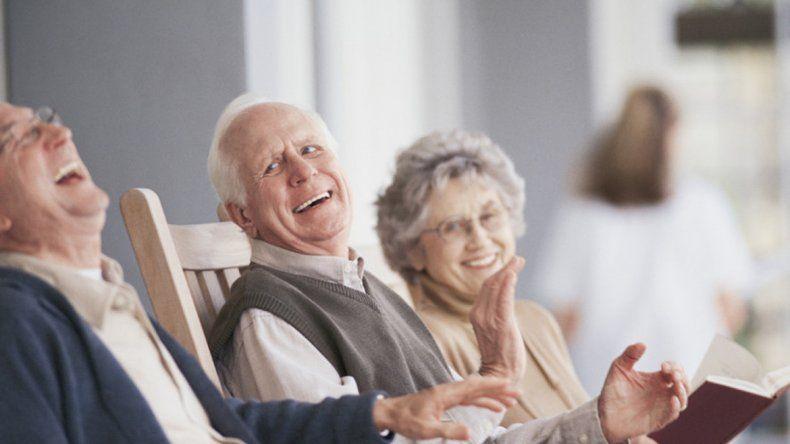 La gente que se ríe tiene un 40% menos de problemas cardiovasculares.