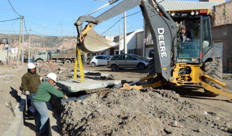 En octubre finalizarían las cloacas y los desagües en Rincón de Emilio