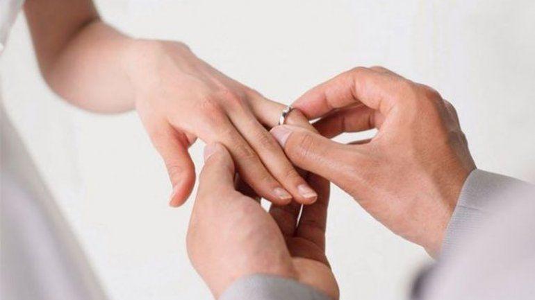 Una cubana se casó 10 veces en 10 años