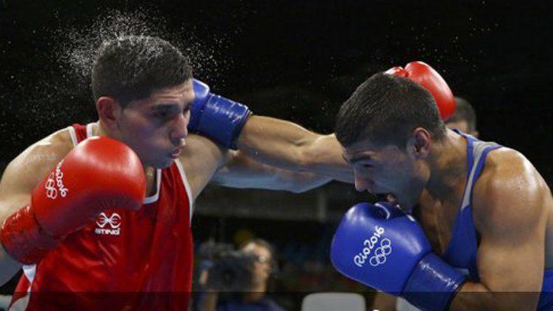 Martínez perdió su pelea en peso mosca y quedó afuera