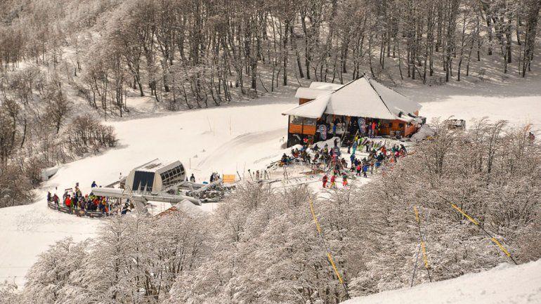 En Chapelco hoy esperan que haya unos 5 mil turistas en las pistas y medios de elevación que ofrece el complejo.