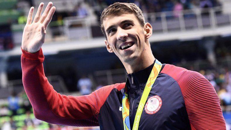 Los dos emblemáticos atletas se cruzaron por un día en el calendario de Río. Phelps dijo adiós y Bolt debutó.