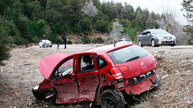 El Citroën C3 fue impactado por el Toyota Etios que se ve en el fondo de la imagen.