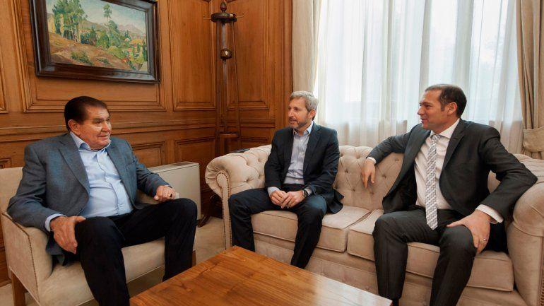 Postura oficial de Nación. El gobierno de Macri se comprometió a mantener el precio sostén del petróleo neuquino. La provincia