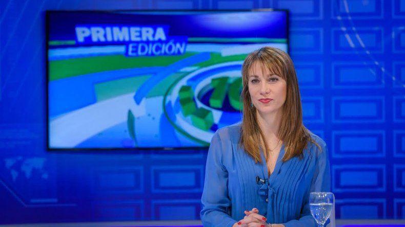 La periodista conduce la primera edición del Noticiero 10.