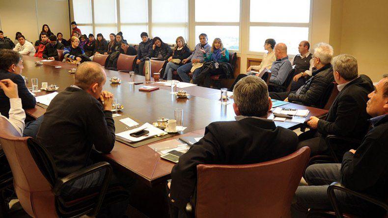 Representantes de cooperativas se reunieron ayer con diputados.