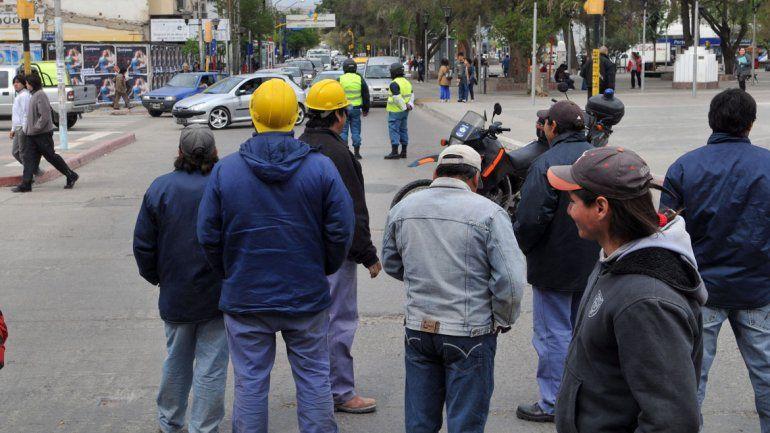 Para el nuevo titular de la Uocra, las petroleras bancan a los violentos