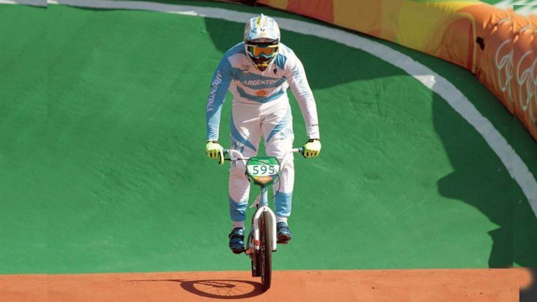 Molina avanzó a las semifinales en el BMX masculino