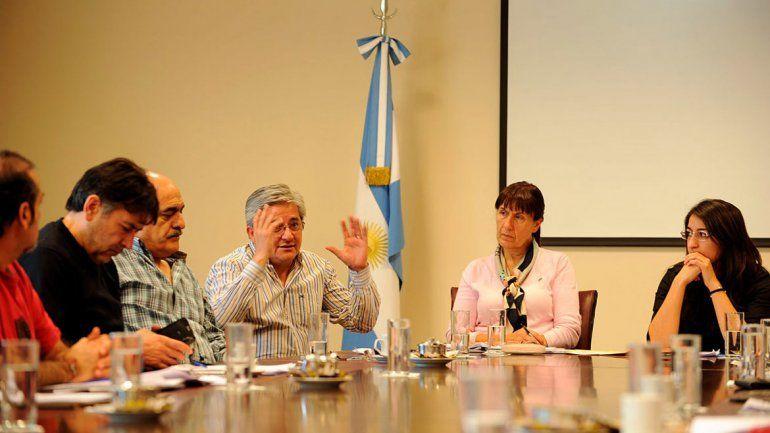 La comisión de Energía de la Legislatura analizó la situación de las garrafas.