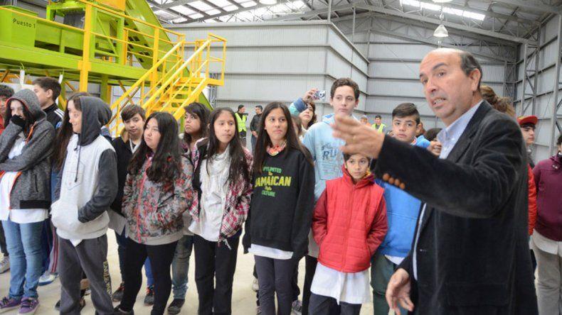 Los estudiantes pueden recorrer el CAN y conocer sobre reciclaje.