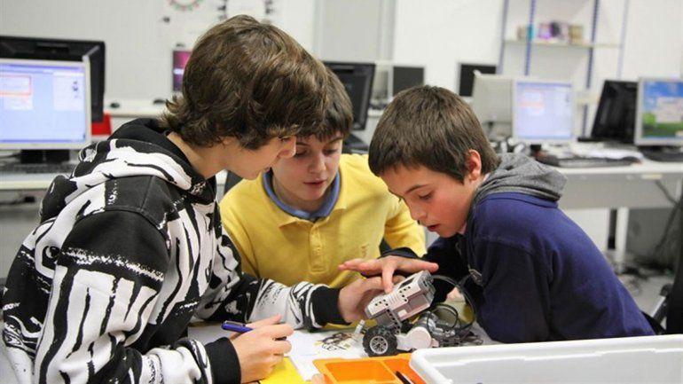 El programa apunta a estimular la creatividad de los más pequeños.