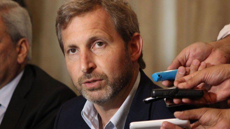 El jefe de la Aduana fue denunciado y Macri ordenó separarlo de su cargo.