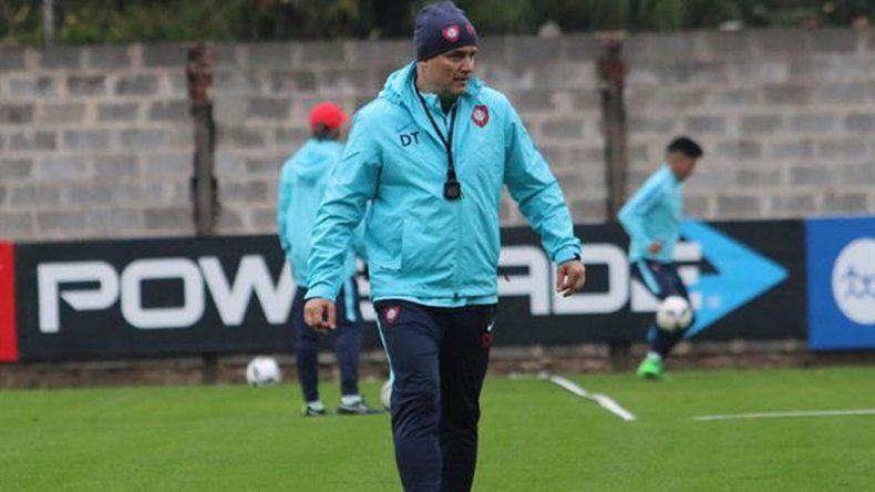 Diego Aguirre (San Lorenzo) se presentaron por Copa Argentina.