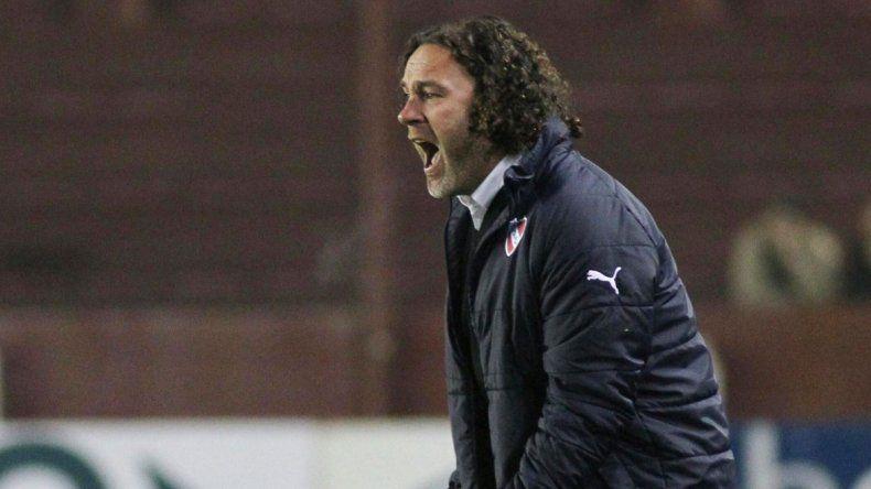 Gaby Milito (Independiente) se presentaron por Copa Argentina.