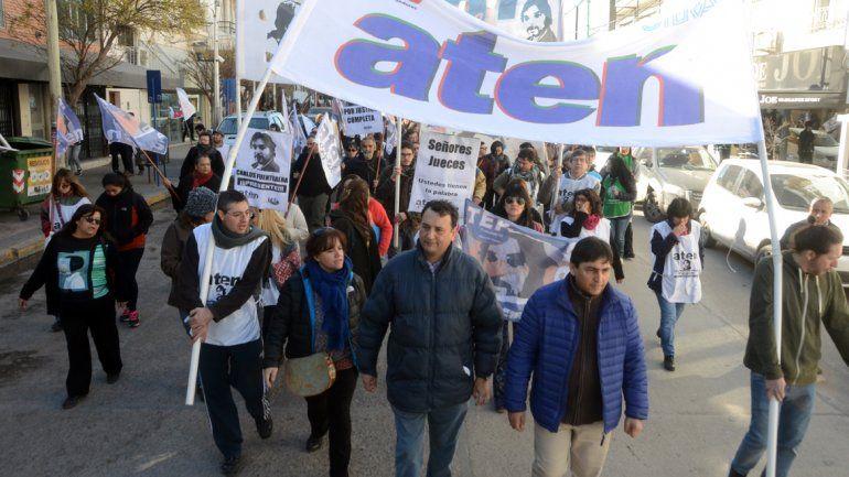 Los docentes de ATEN paran hoy y se movilizan por el centro de la ciudad
