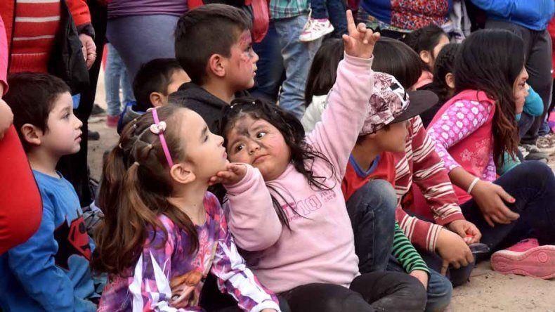 Los chicos disfrutaron del Día del Niño con juegos y música.