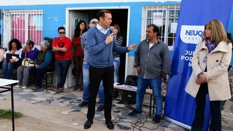 El gobernador Omar Gutiérrez recorrió ayer Colonia Nueva Esperanza.