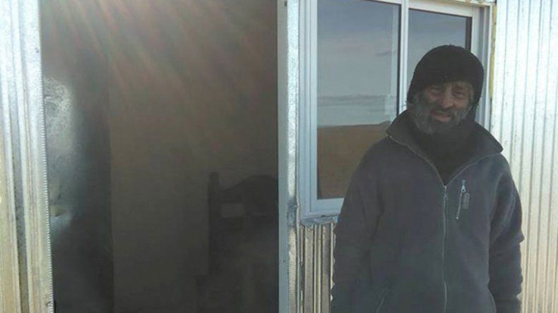 Un anónimo le fabricó una casa al ermitaño de Collón Curá