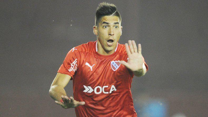 Leandro Fernández celebra el primer gol del partido. El Rojo quedó bien parado para la revancha.