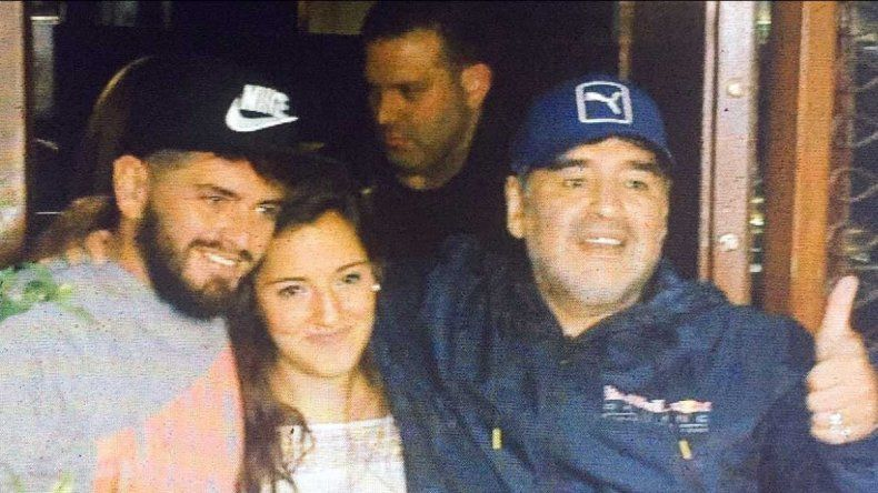 La imagen del reencuentro de Diego Maradona y Diego Jr.