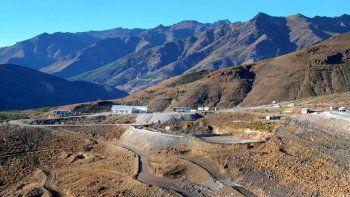 mineros de andacollo cortan el camino hacia las ovejas
