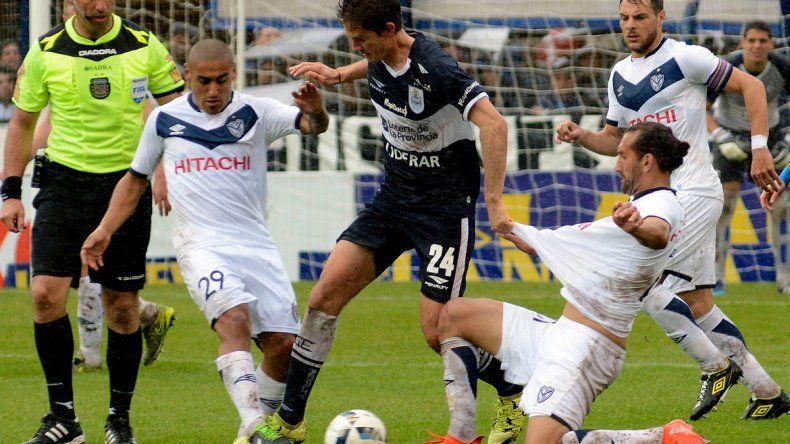 De local, Gimnasia se aprovechó de Vélez y le ganó por 2 a 0