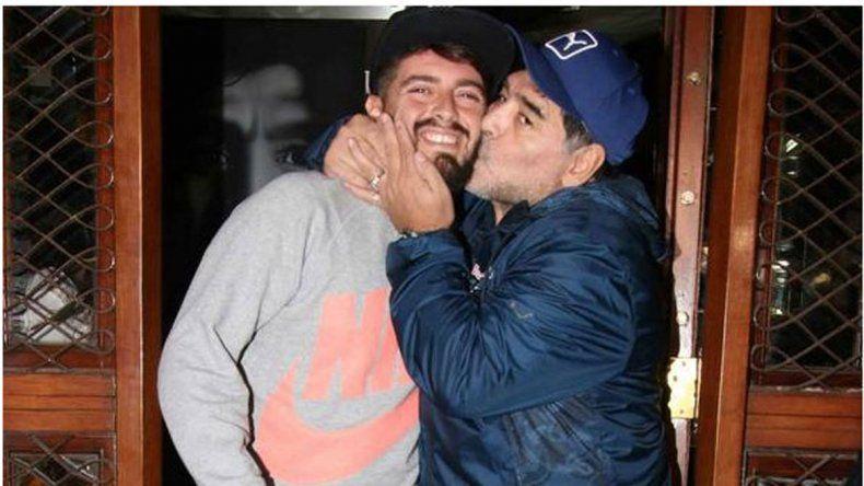 Diego Maradona y su hijo italiano.