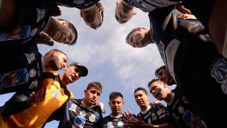 El equipo de Hugo González busca seguir invicto en la zona patagónica.