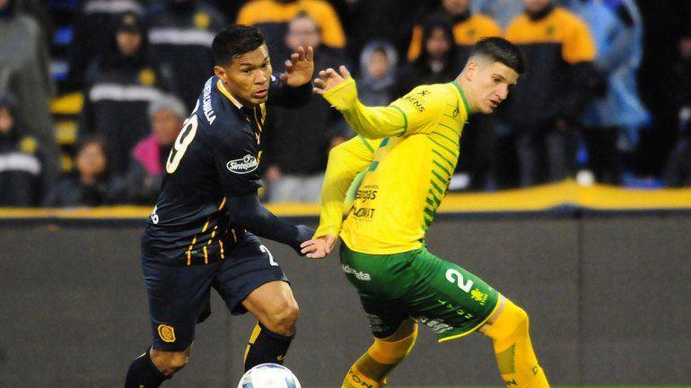 Teo tuvo un buen debut en Central y dispuso de varias chances de gol.