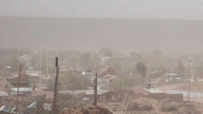 El temporal de viento causó estragos en  Rincón de los Sauces