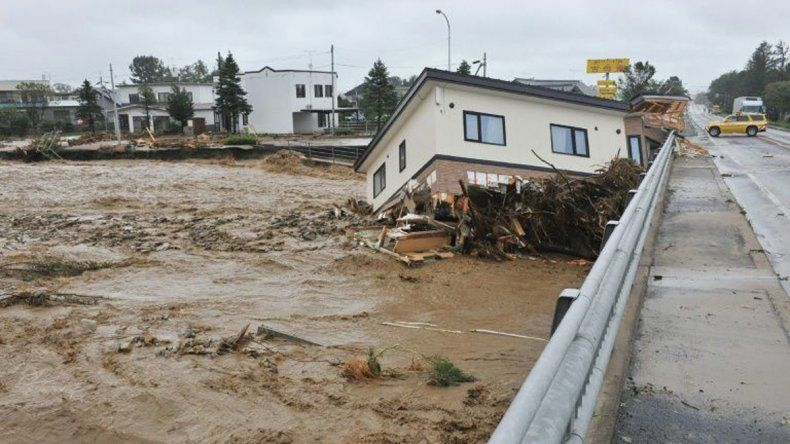 El paso del tifón Lionrock dejó 11 muertos en Japón