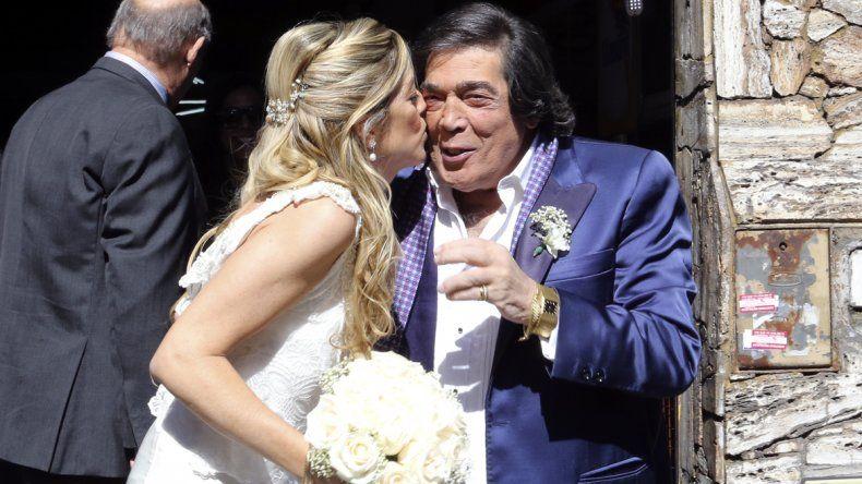 A los 74 años, Cacho Castaña se casó con Marina Rozenthal