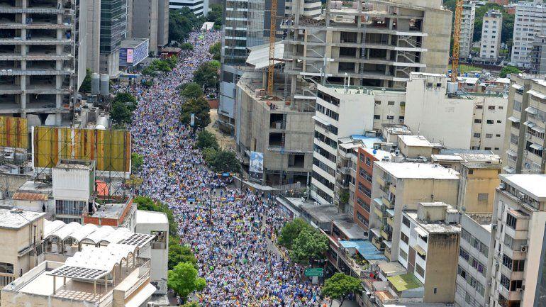 Medio millón de venezolanos protestaron contra el presidente.