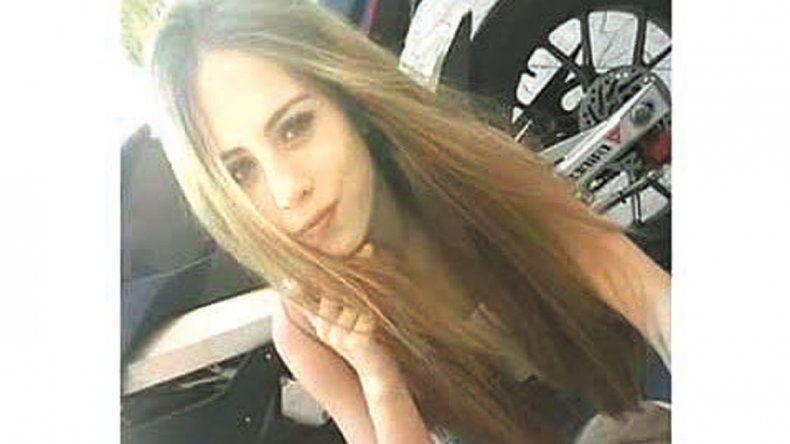 Carmen murió tras el choque: su padre le había regalado la moto.