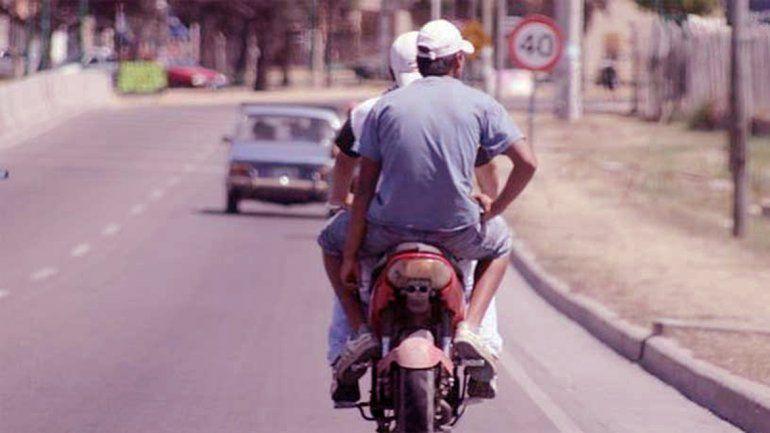 Buscan a un héroe-motoquero que salvó la vida de una nena