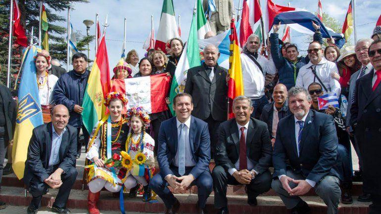 Con un colorido acto homenajearon a los inmigrantes en su día