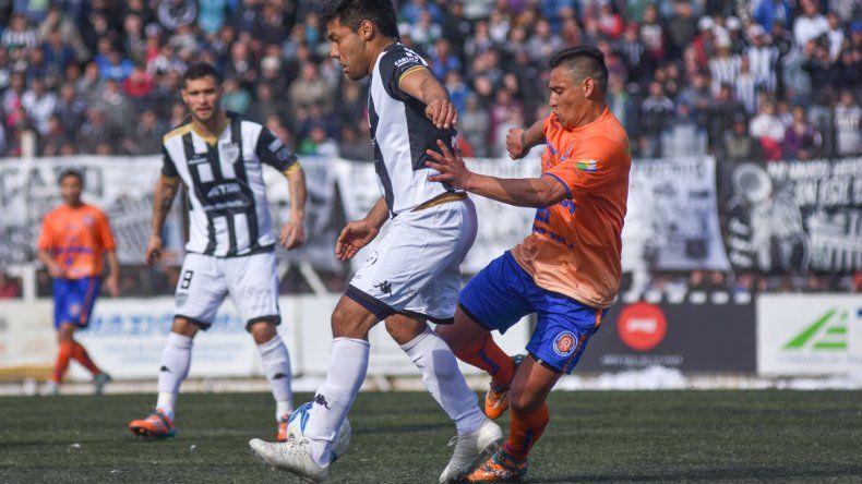Cipo le ganó 4 a 1 al Deportivo Roca y se quedó con el clásico