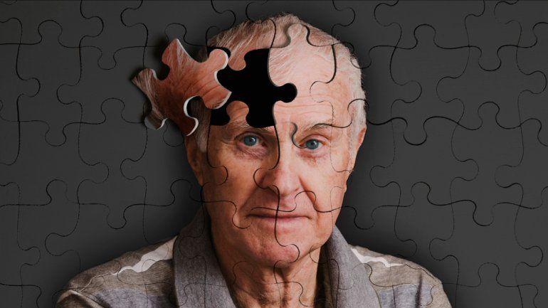 Primero se probó en ratones y después en 165 pacientes: los que recibieron inyecciones con el fármaco redujeron el deterioro cognitivo del alzhéimer.