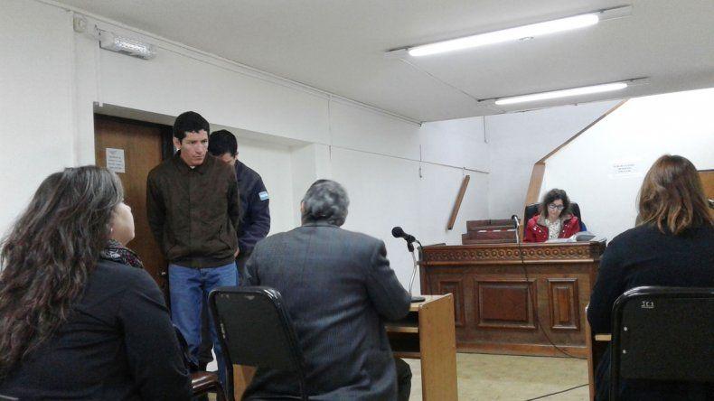 El Tato Salazar en la audiencia donde le dieron la prisión nocturna.