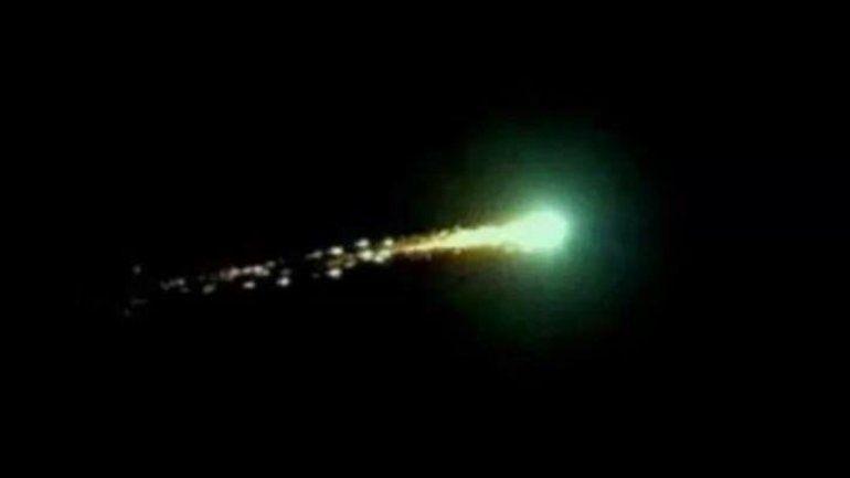 Un gran meteorito iluminó el cielo de Merlo