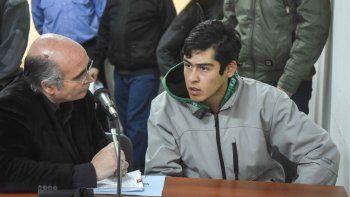 El abogado Gustavo Palmieri y el acusado del crimen, Maximiliano Alarcón.