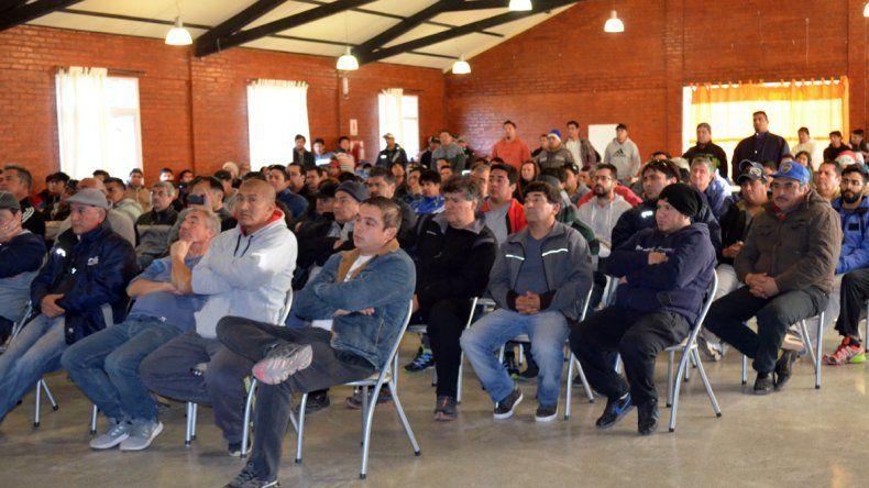 Principio de acuerdo para que 450 petroleros de Rincón mantengan sus puestos de trabajo