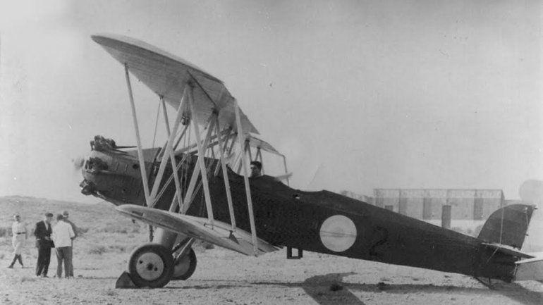 Los aviones Curtiss 51 llegaron a la ciudad a principios de 1933. Hubo  que realizar varias obras civiles y organizar una colecta entre los  comercios para construir un hangar.
