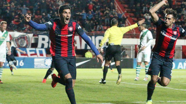 San Lorenzo goleó a Banfield por 4 a 1 y pasó a octavos de final